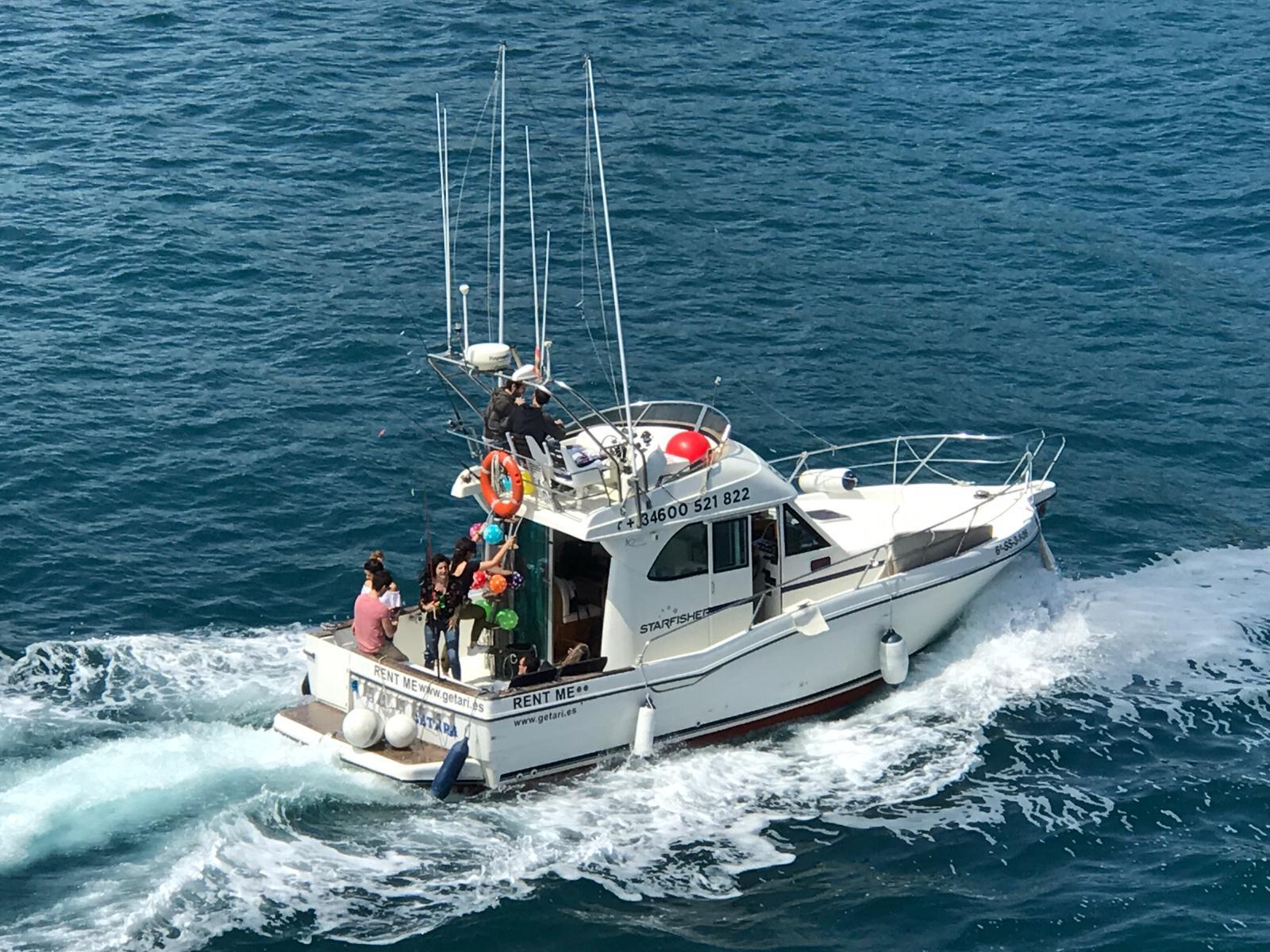 paseo en barco san sebastian